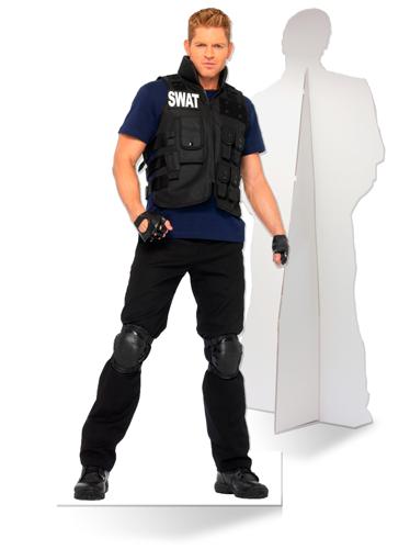 Levensgrote kartonnen politieagent