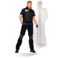 Een zelfstaande S.W.A.T. politieagent van karton is de ultieme blikvanger!