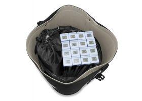 Binnenzijde van de beurswand in luxe draagtas (travel package)