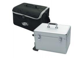 De folderhouder is verkrijgbaar met nylon draagtas of hardcase reiskoffer