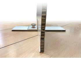 De paneelhouder is een sterke houder voor het rechtop houden van elk lichtgewicht paneel