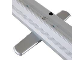 De grote XL rolbanner is gemaakt van hoogwaardig aluminium